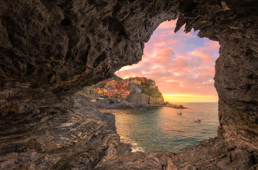 This image has an empty alt attribute; its file name is ligurian-cave.jpg